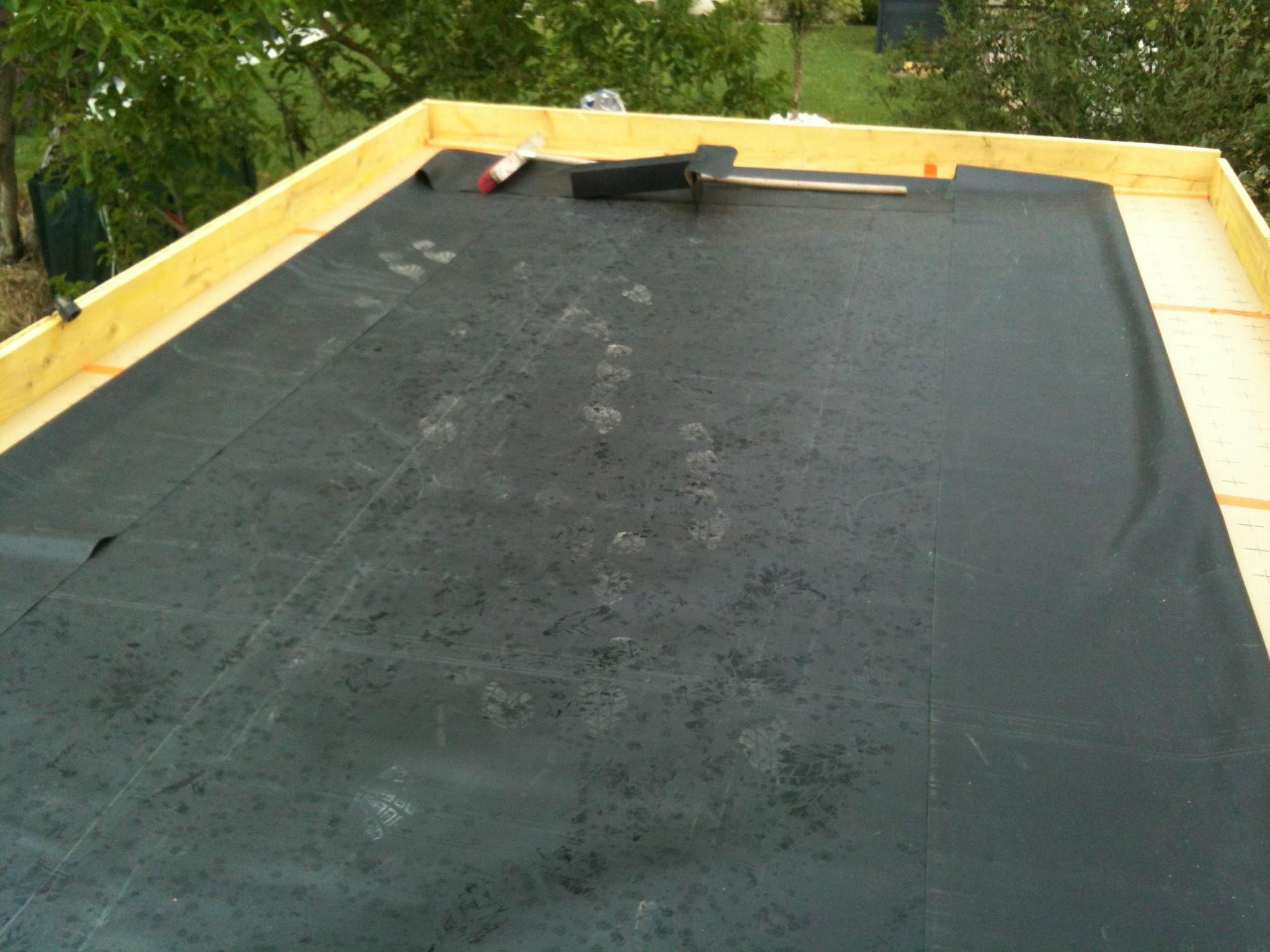 Application de vos b ches epdm pour bassin et toiture for Colle bache epdm bassin